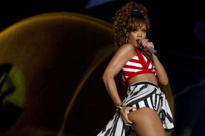 Rihanna - Rock in Rio Festival in Brazil-02-3000x2000